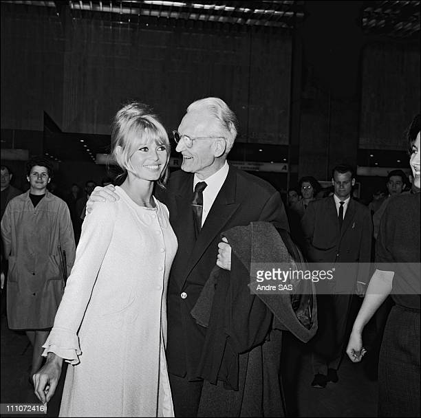 Brigitte Bardot with her father when she Returns France After The Film Viva Maria in France in May 1965