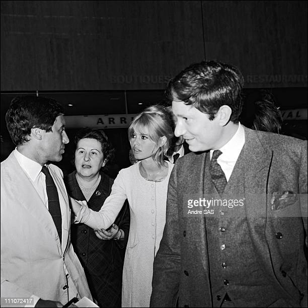 Brigitte Bardot with her mother and Bob Zagur when she Returns France After The Film Viva Maria in France in May 1965