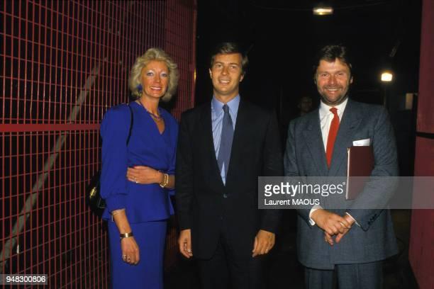 Brigitte de Gastines présidente de SVP 11 11 le chef d'entreprise Vincent Bolloré et le président de Cartier AlainDominique Perrin lors des assises...