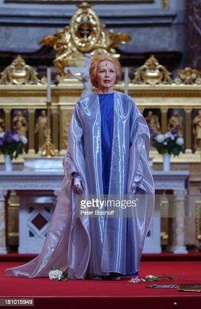 """Brigitte Grothum, """"Jedermann""""-Festspiele, , Berlin, Deutschland, Europa, Berliner Dom, Aufführung, Theater, Bühne, Auftritt, Schauspielerin, Kostüm,..."""