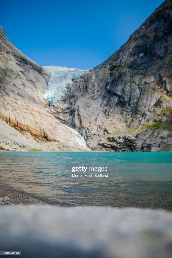 Briksdalsbreen Glacier, Norway on a Bright Summer Afternoon : Stock-Foto