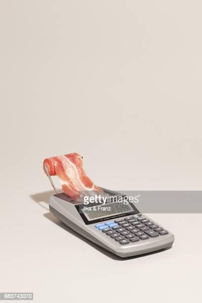 bringing home the bacon - un singolo oggetto foto e immagini stock