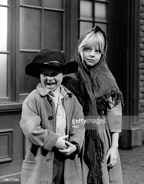 BOONE Bringing up Josh Episode 24 Pictured Darby Hinton as Israel Boone Jodie Foster as Rachel