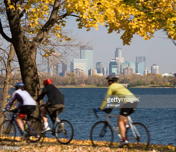 brisk fall day in minneapolis. - minneapolis stock pictures, royalty-free photos & images
