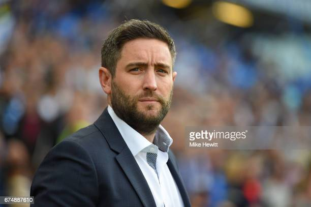 Bristol City manager Lee Johnson looks on during the Sky Bet Championship match between Brighton Hove Albion and Bristol City at Amex Stadium on...