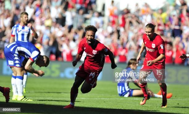 Bristol City's Bobby Reid celebrates his goal against Wigan Athletic to make it 2-1.