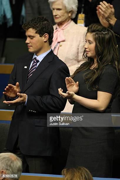 3 Bristol Palin daughter of presumptive Republican US vicepresidential nominee Alaska Gov Sarah Palin and her boyfriend Levi Johnston stand together...