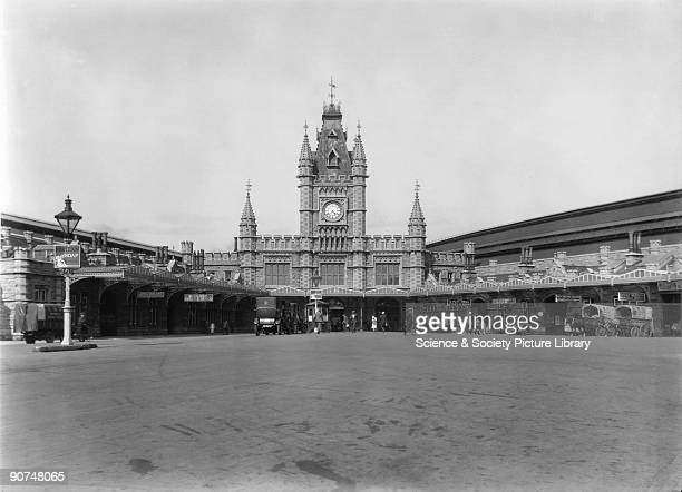 Bristol Temple Meads Station 20 July 1926 The station designed by Sir Matthew Digby Wyatt opened on 1 January 1878 The spire on the clock tower was...
