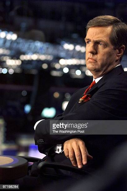 Brit Hume at taping of Fox Sunday Show Fox Booth First Union Center Philadelphia PA Original Filename STHUME4newjpg ORG XMIT 415