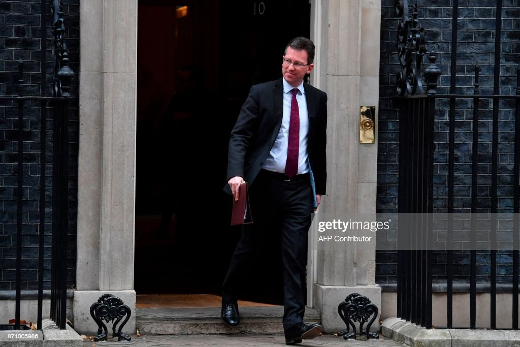 Britain's Attorney General Jeremy Wright leaves 10 Downing Street after attending the weekly meeting of the Cabinet in central London on November 14, 2017. British Prime Minister Theresa May begins a major parliamentary battle over Brexit on Tuesday, facing competing demands by MPs to change her strategy as tensions rise among her scandal-hit ministers. MPs will have their first chance to scrutinise the EU Withdrawal Bill, which would formally end Britain's membership of the European Union and transfer four decades of EU legislation into UK law. / AFP PHOTO / Ben STANSALL