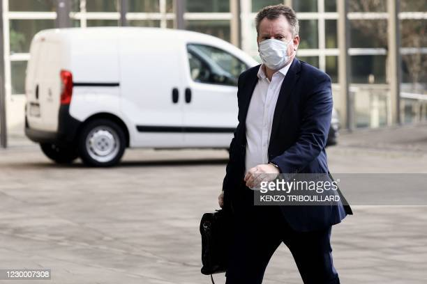 Britain's chief Brexit negotiator David Frost arrives at EU headquarters in Brussels on December 8, 2020. - EU and UK post-Brexit trade talks reached...