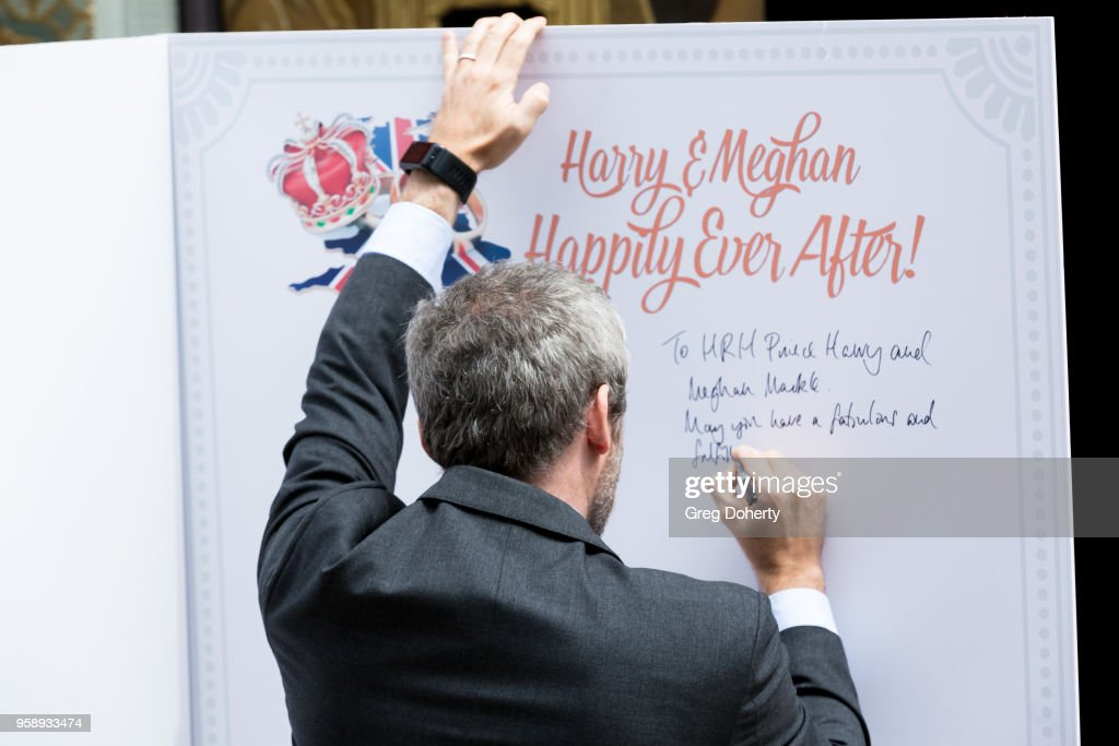 Britain's Consul General Michael Howells Kicks Off Hollywood's Salute To The Royal Wedding : ニュース写真
