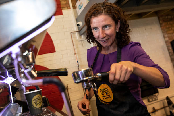 GBR: Labour MP Anneliese Dodds Visits Social Enterprise Teaching Job Skills To Homeless