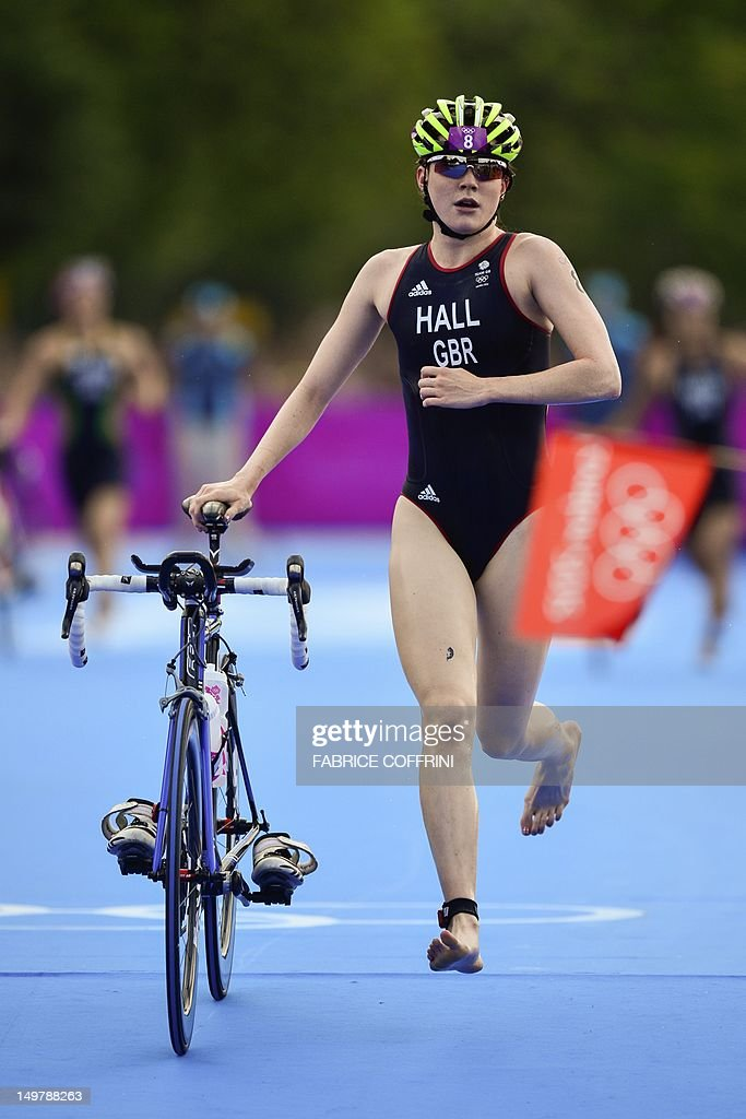 Britain's Lucy Hall leaves the transitio : News Photo