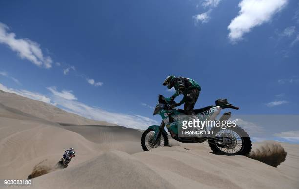 TOPSHOT Britain's Lyndon Poskitt competes during Stage 4 of the 2018 Dakar Rally in and around San Juan De Marcona Peru on January 9 2018 / AFP PHOTO...