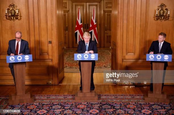 Britain's Prime Minister, Boris Johnson , Britain's Transport Secretary, Grant Shapps , and Britain's Chief Scientific Adviser, Patrick Vallance...
