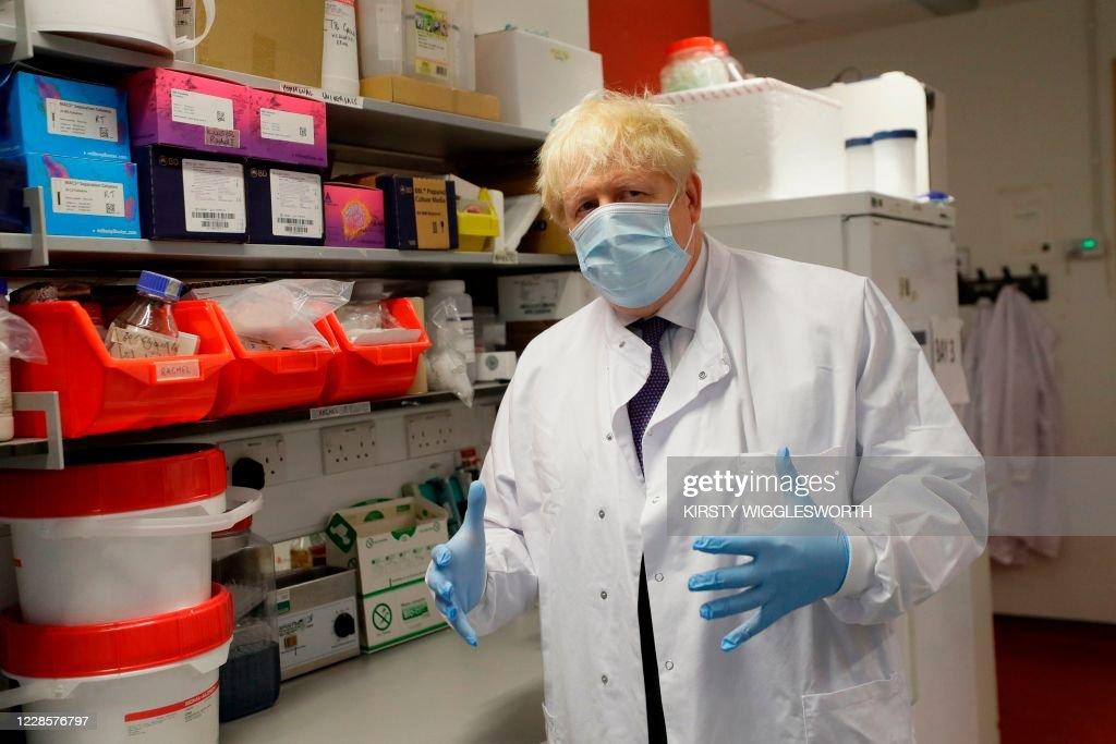 BRITAIN-POLITICS-HEALTH-VIRUS : News Photo