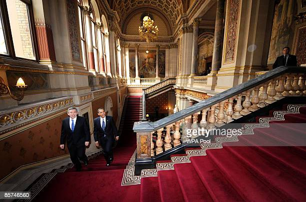 Britain's Prime Minister Gordon Brown and US President Barack Obama arrive for a press conference at the Foreign and Commonwealth Office on April 1...