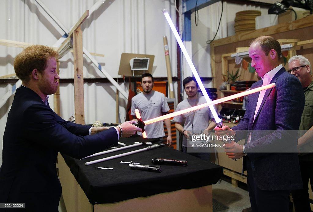 BRITAIN-ROYALS-US-CINEMA-STAR WARS : News Photo