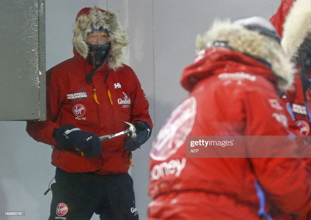 Britainu0027s Prince Harry (L) helps take down a tent during a cold chamber training exercise with the Walking with the Wounded South Pole Allied Challenge 2013 ... & Britainu0027s Prince Harry (L) helps take down a tent during a cold ...