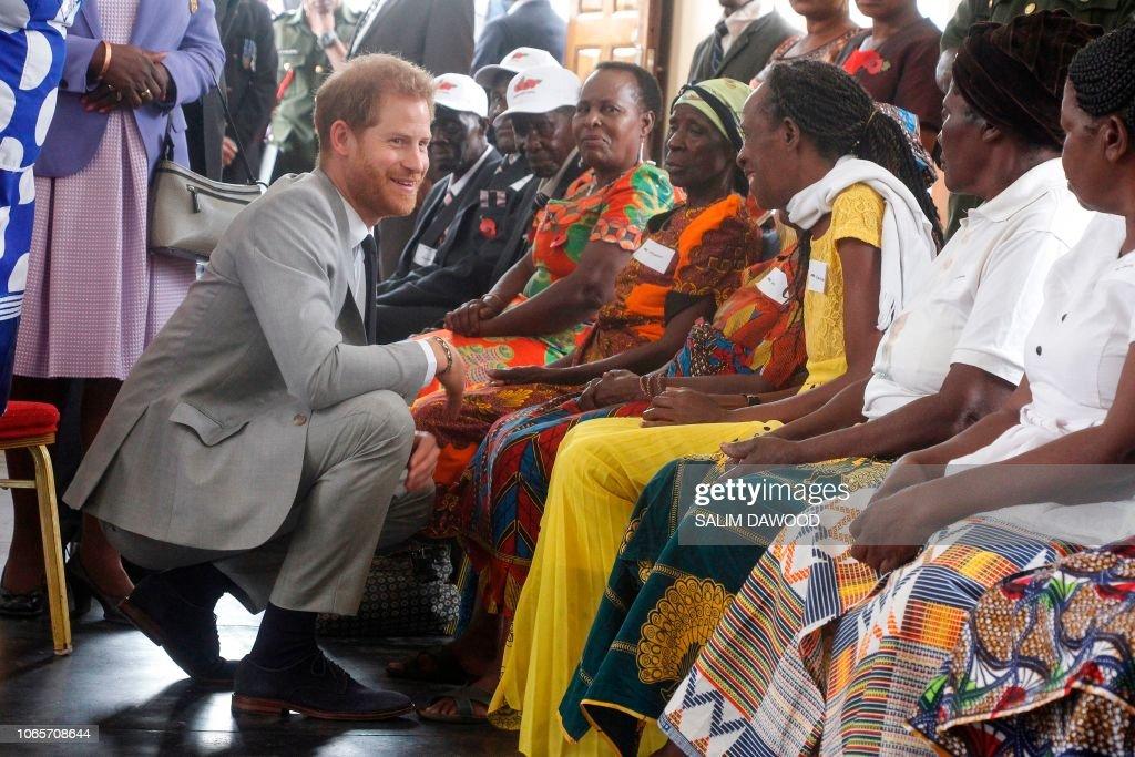 ZAMBIA-BRITAIN-ROYALS-HARRY : News Photo