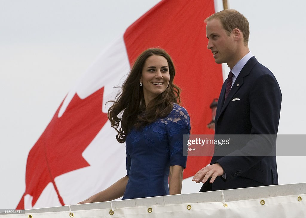 Britain's Prince William and his wife Ca : News Photo