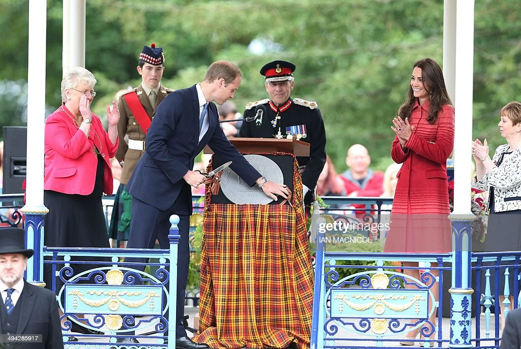 BRITAIN-ROYALS-VISIT : News Photo