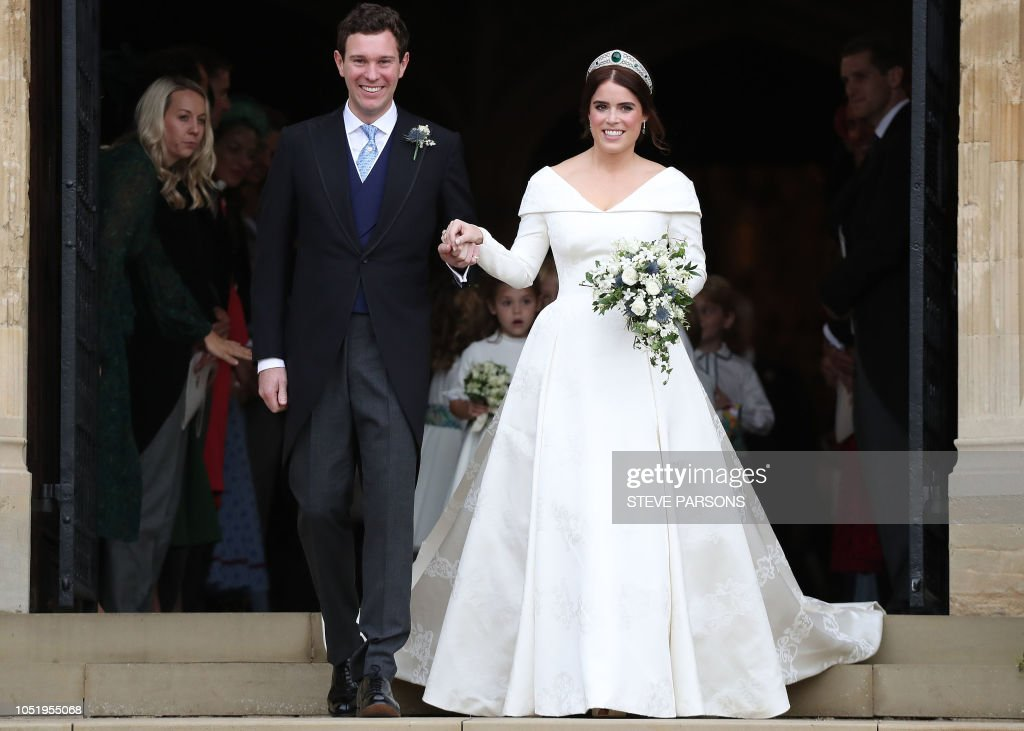Высший свет. Галерея - Страница 15 Britains-princess-eugenie-of-york-and-her-husband-jack-brooksbank-picture-id1051955068