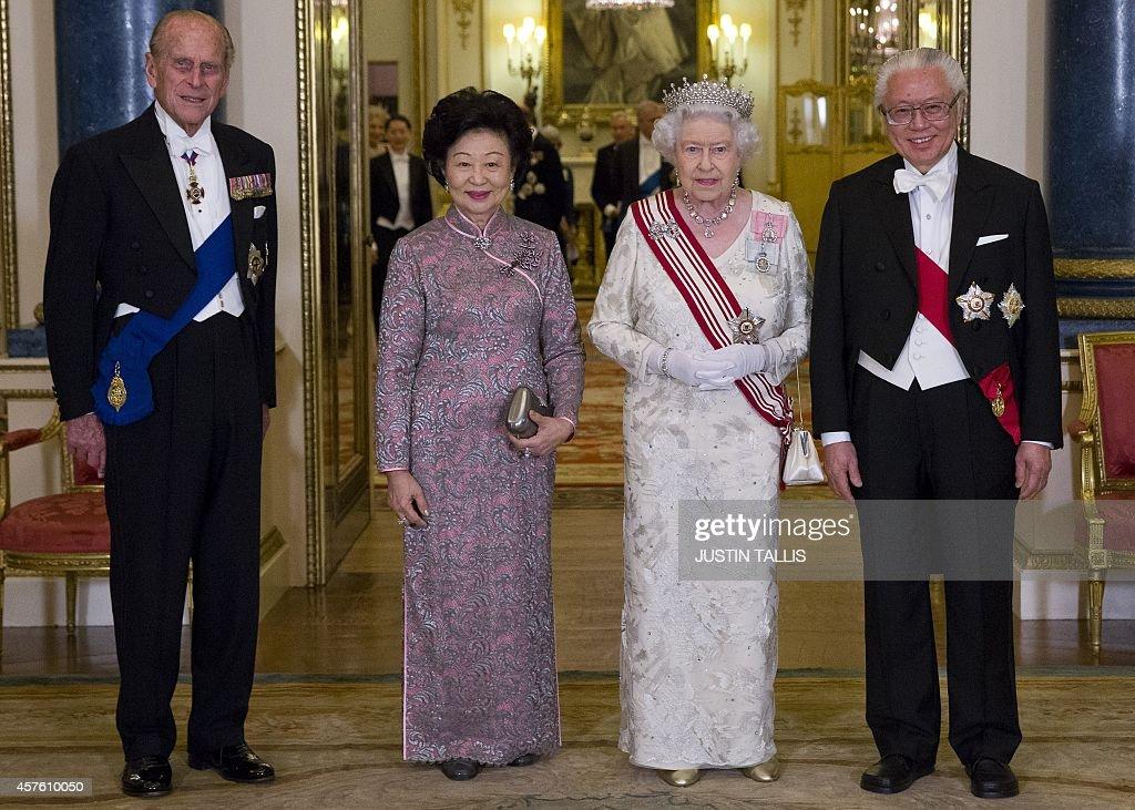 BRITAIN-SINGAPORE-ROYALS-DIPLOMACY : News Photo