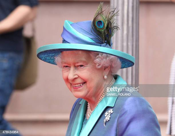 Britain's Queen Elizabeth II arrives at City Hall in Frankfurt am Main on June 25 2015 British Queen Elizabeth II is in Germany for a threeday visit...