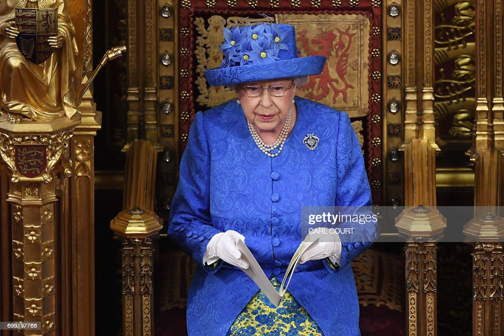 BRITAIN-ROYALS-POLITICS : News Photo