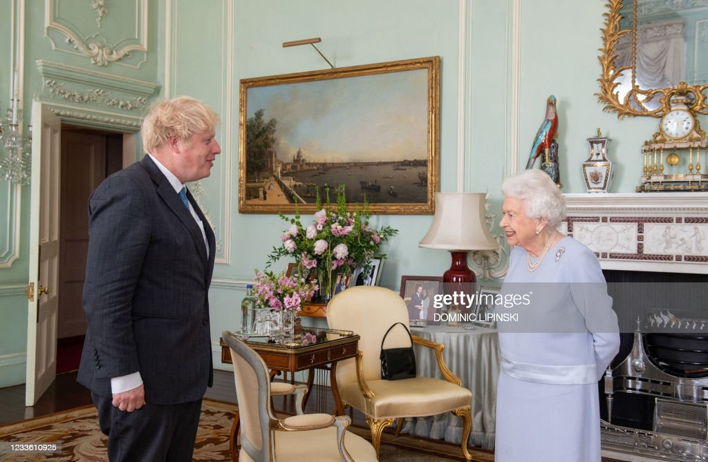 BRITAIN-HEALTH-VIRUS-ROYAL-POLITICS : News Photo