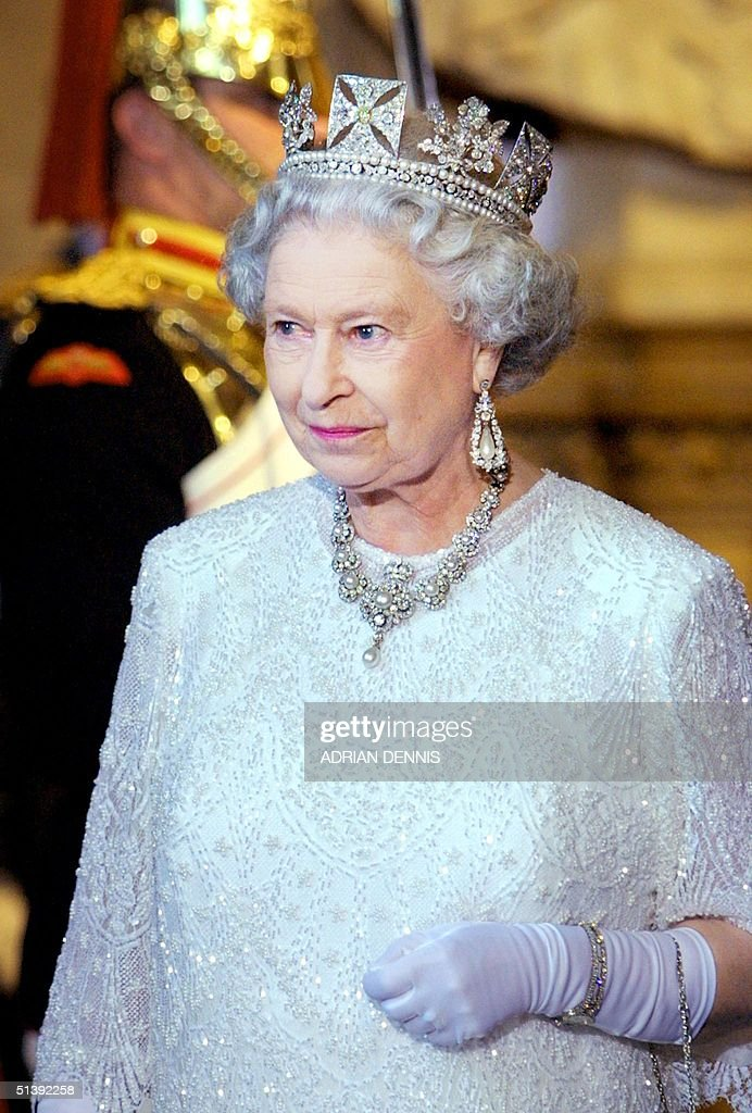Britain's Queen Elizabeth II leaves The Palace of : News Photo