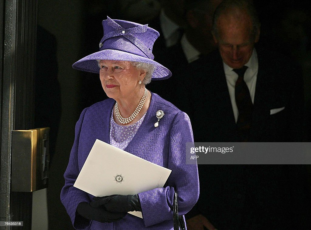 Britain's Queen Elizabeth II leaves the : News Photo