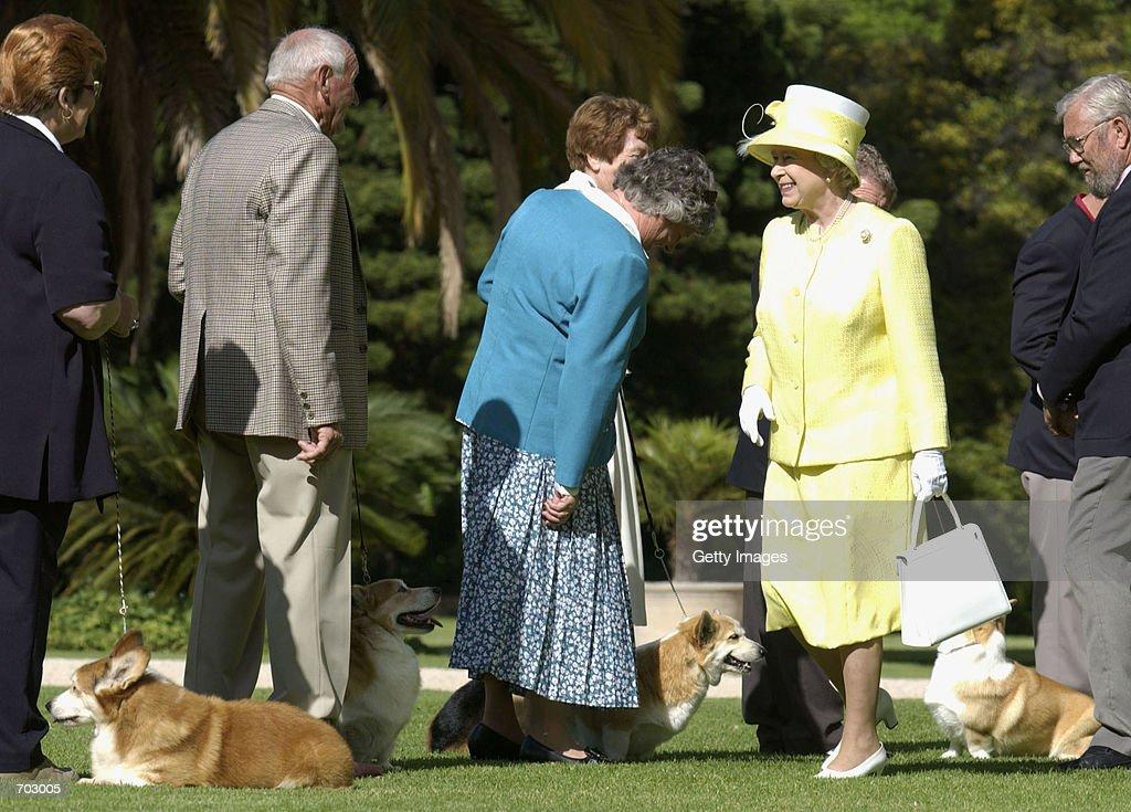 The Queen in Australia : News Photo