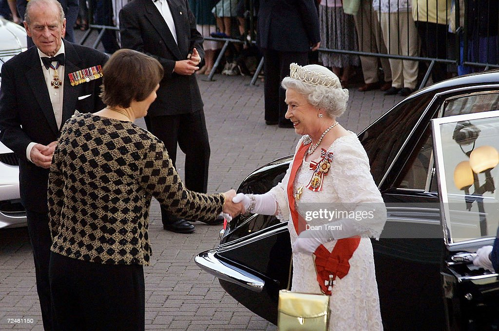 The Queen in New Zealand : News Photo
