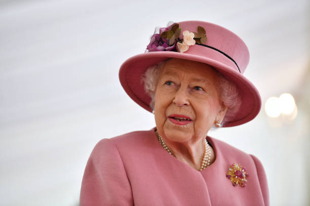 GBR: The Queen And Duke Of Cambridge Visit Dstl Porton Down