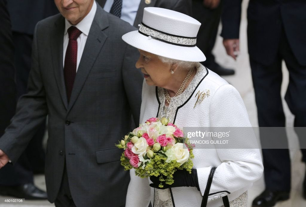 FRANCE-WWII-DDAY-BRITAIN-ROYALS : News Photo