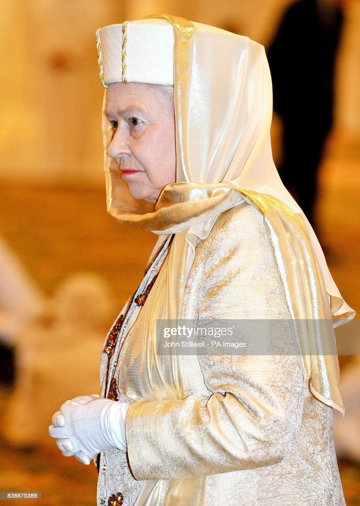 Royalty - Queen Elizabeth II State Visit to the United Arab Emirates : News Photo
