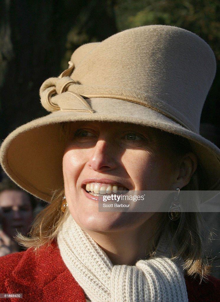 Royal Family Attend Christmas Day Service At Sandringham : ニュース写真