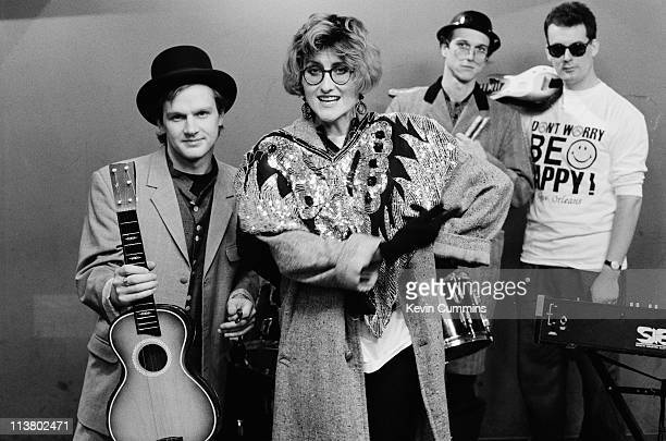 British acoustic pop group Fairground Attraction with singer Eddi Reader centre New Orleans January 1989