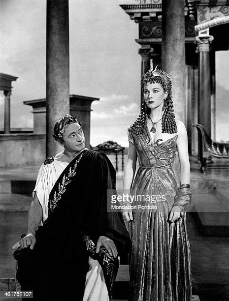 British actor Claude Rains as Caesar looking at British actress Vivien Leigh as Cleopatra in the film Caesar and Cleopatra Great Britain 1945