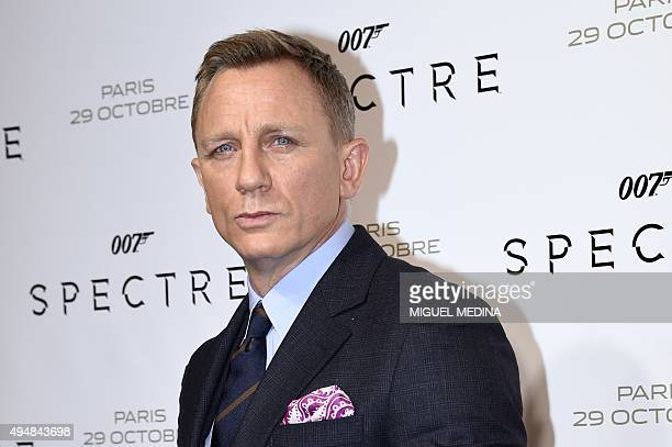 British actor Daniel Craig poses during the French premiere of the new James Bond film 'Spectre' on October 29 2015 in Paris AFP PHOTO / MIGUEL MEDINA