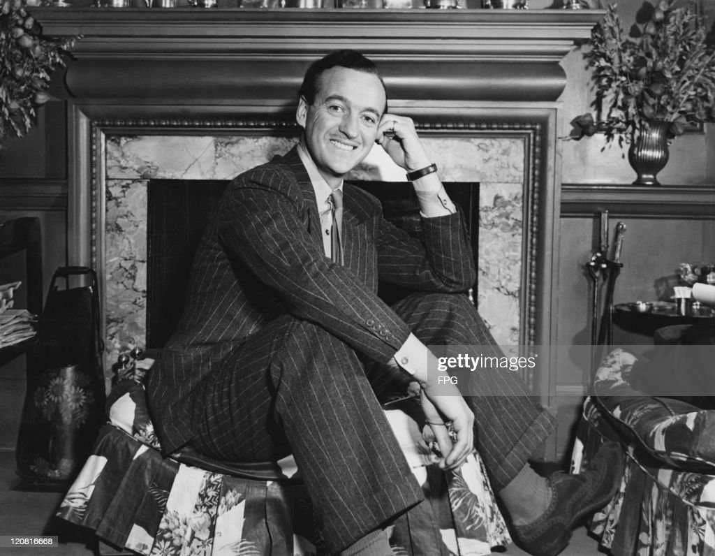 British actor David Niven (1910 - 1983) in his New York City hotel suite on his return to the US after wartime service in the British Army, 1946.
