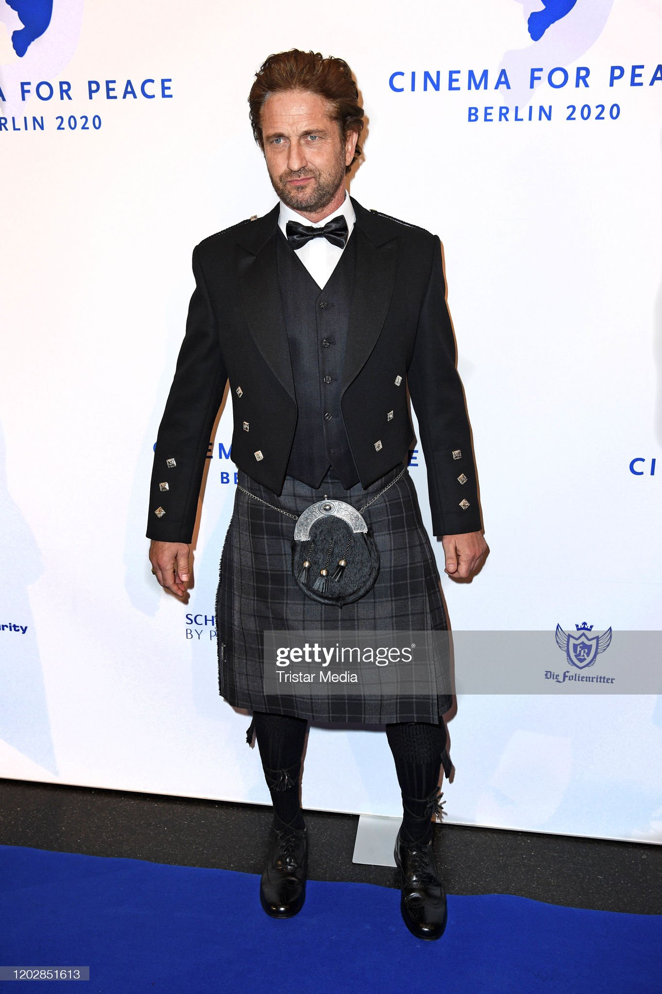 ¿Cuánto mide Gerard Butler? - Altura - Real height British-actor-gerard-butler-attends-the-cinema-for-peace-gala-2020-picture-id1202851613?s=2048x2048