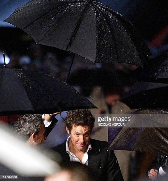 British actor Hugh Grant arrives for the film premiere of Bridget Jones the edge of reason at the Odeon cinema in Leicester square London 09 November...