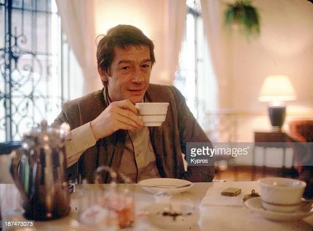 British actor John Hurt at breakfast in Hollywood, California, circa 1985.
