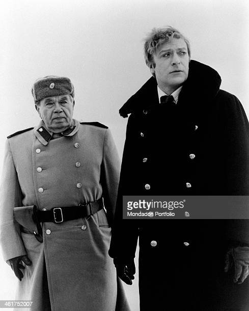 British actor Michael Caine and American actor Ed Begley looking around in the film Billion Dollar Brain Finland 1967