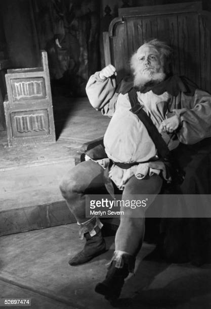 British actor Ralph Richardson as Falstaff in the Old Vic's production of William Shakespeare's 'Henry IV' at the New Theatre London 20th October...