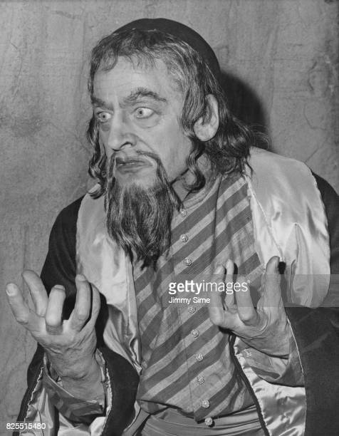 British actor Robert Harris as Shylock in a production of Shakespeare's 'The Merchant of Venice' at the Old Vic London 30th May 1961 The play is...